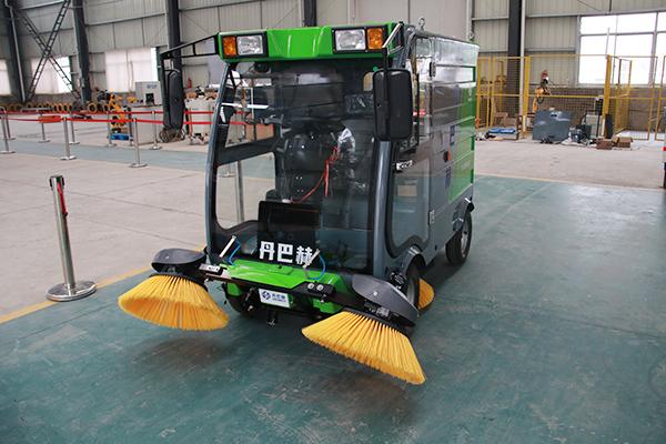 智能扫地机器人.jpg